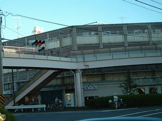 歩道橋の様子